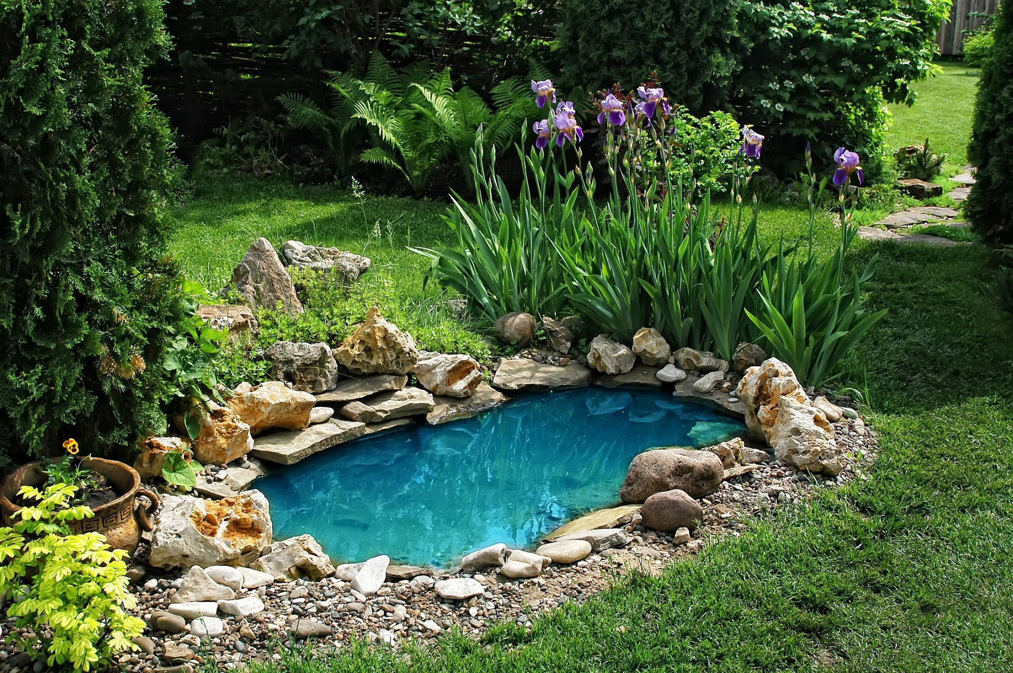 φτιαχνοντας λιμνούλα για τον κήπο μου